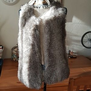 Moda International faux fur vest sz XS